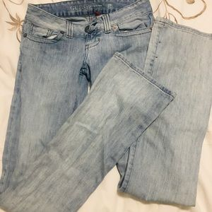 GUESS jeans size 24. Never worn.